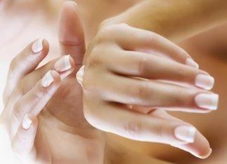 Напукани ръце