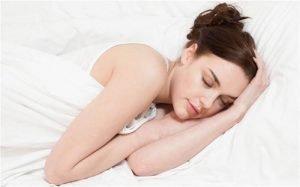 Недостигът на сън водел до нездравословно храненe