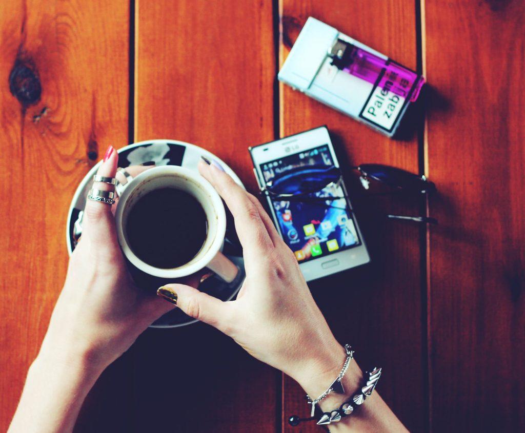 Кафето и цигарите
