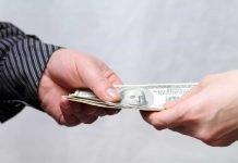 Пари назаем: народни поличби