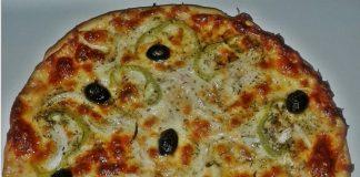 Пица с шунка и кашкавал с домашно приготвено тесто