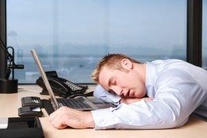 Съвети за кратък сън в офиса