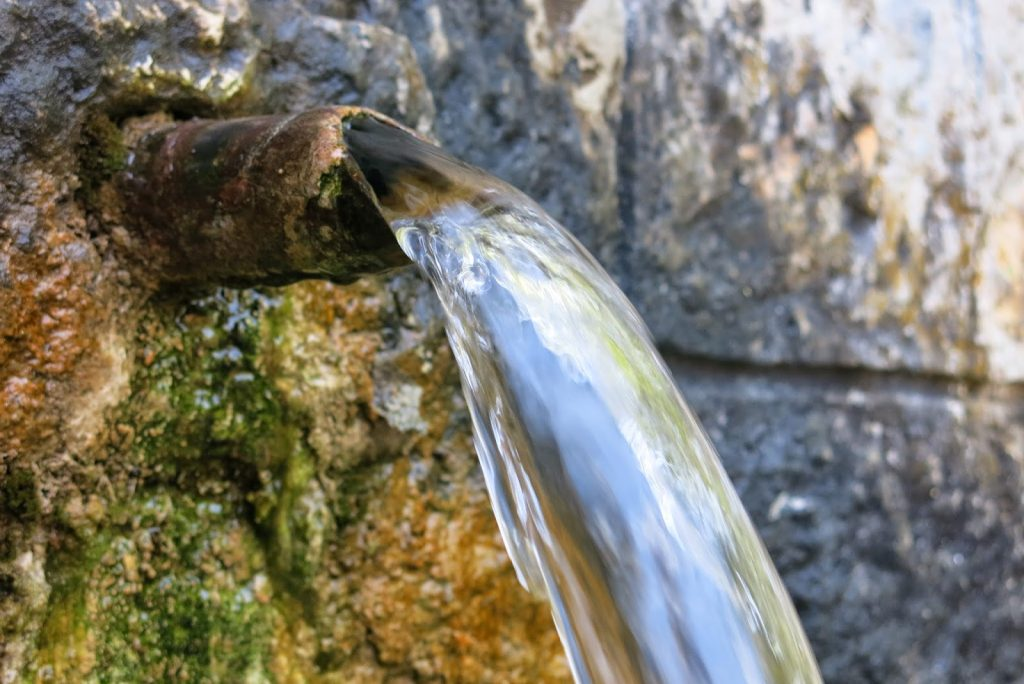 """""""Света"""" вода"""
