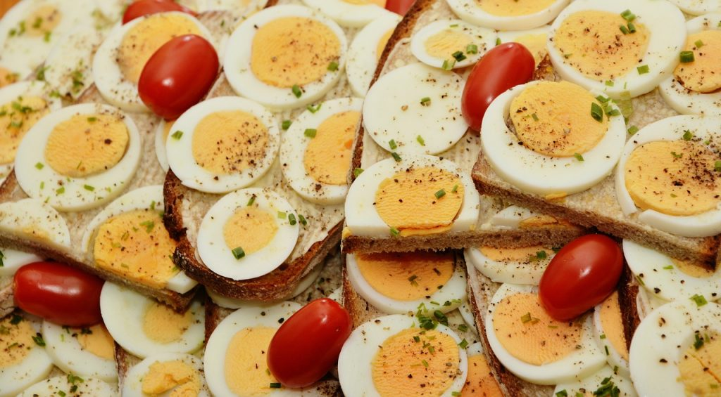 Яйца на кафяви очи