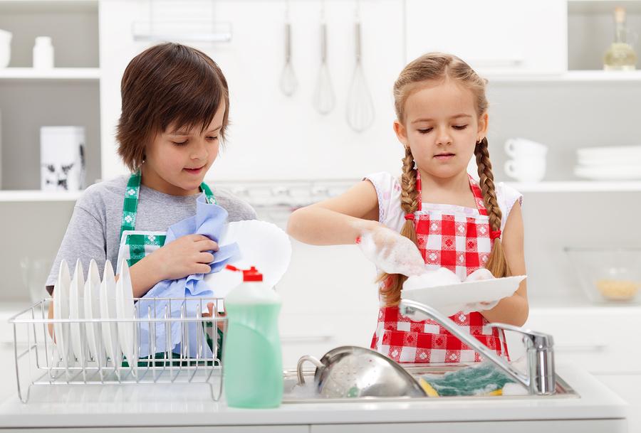 Калявайте малчуганите от малки - домакинска работа