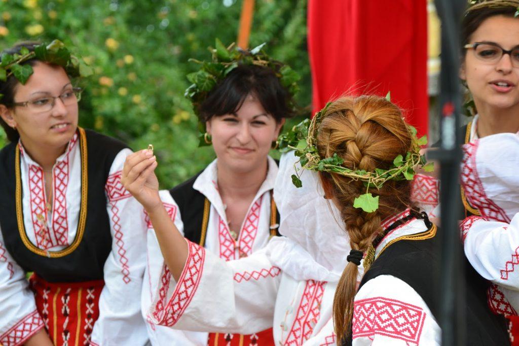Български следсватбени обичаи и обреди