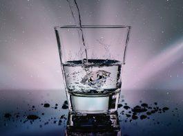 Лечение с чаша топла вода