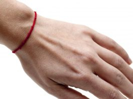 Как да носим червен конец