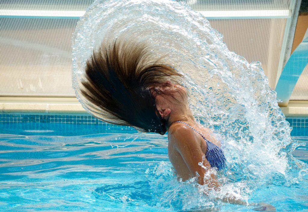 Слънчевите бани са полезни - плуване