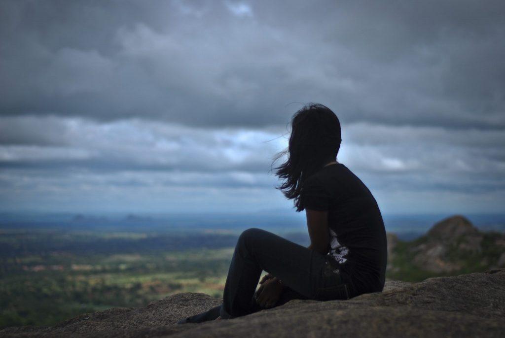 Защо ви преследва самотата?