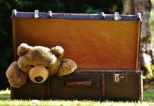 празен куфар