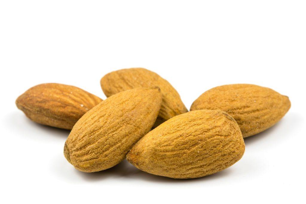 5 причини да похапваме бадеми