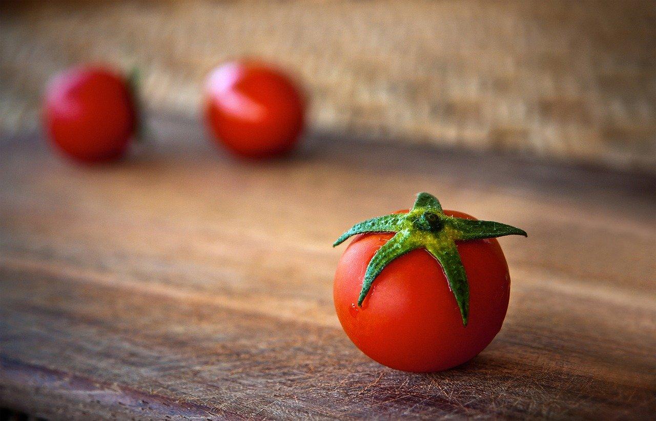 Защо да ядем тези храни заедно - домати и черен дроб