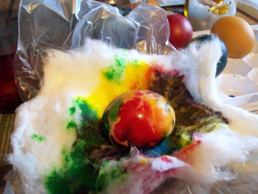 15 оригинални идеи за боядисване на яйца - с памук