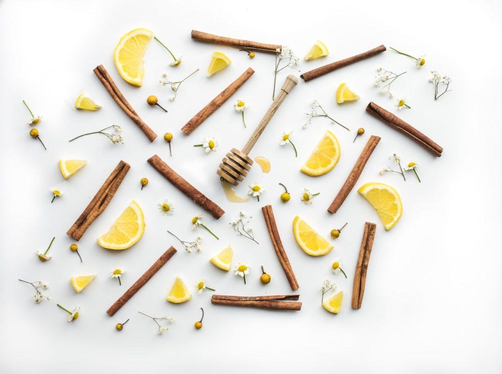 Лимон и канела