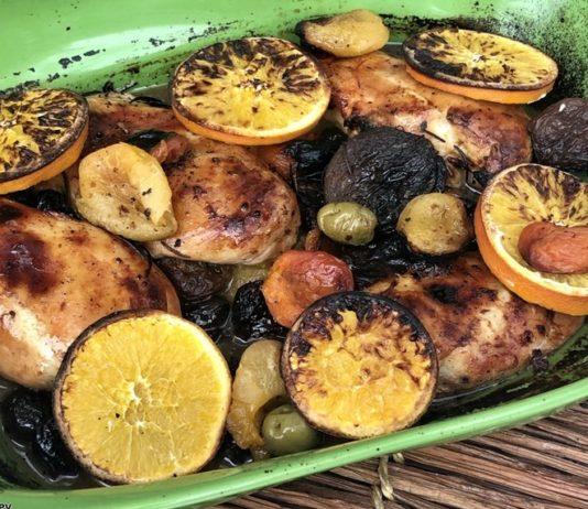 Пилешки гърди със сушени плодове